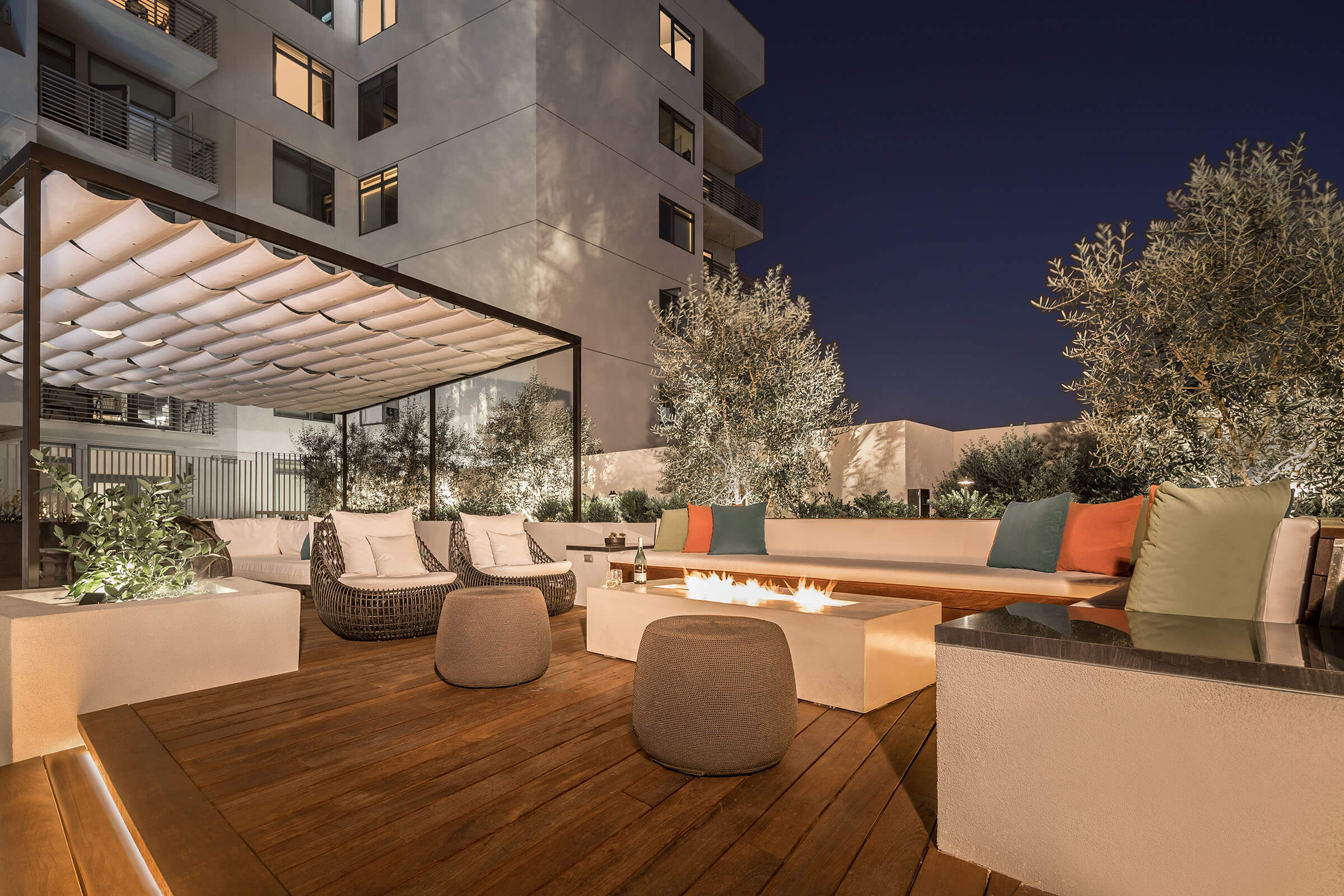 The Avenue Hollywood Amenity Fire Pit