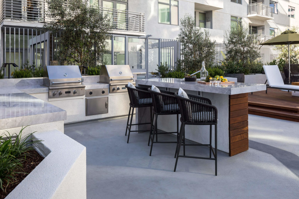 The Avenue Hollywood Amenity Grill